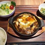 米どころん - キノコの煮込みハンバーグ定食