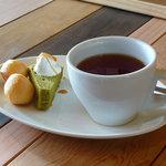 スプラッシュカフェ - splash cafe(紅茶 HOT・プチデザート)
