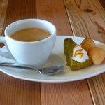 スプラッシュカフェ - splash cafe(ブレンドコーヒー HOT・プチデザート)