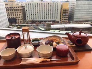 茶寮都路里 京都伊勢丹店 -  季節のお茶 特選大福茶 918円