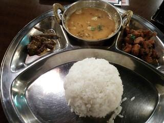 ローズガーデン 大塚店 - ネパールの一般的食事 ¥600