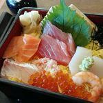 藍屋 - 料理写真:海鮮ちらしランチ(うどん付き)1426円