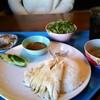 2階のチキンライス - 料理写真:カオマンガイのセット