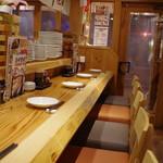濱松たんと - 店内のカウンター席