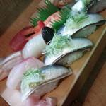 鮨処四季 - にぎり寿司(上)、いわし寿司(4貫)