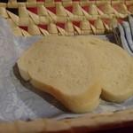 ドン・アントニオ - 自家製パン