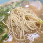 長浜ラーメン 味心 - 甘い醤油豚骨にストレート細麺。めちゃ美味しかったです。