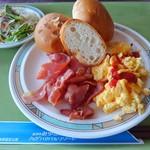 みゆきハマバルリゾート - 料理写真:朝ブッフェパン編