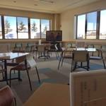 恵庭温泉ラ・フォーレ - 広い小上がり席、テーブル席ございます。施設内清潔感ございます。