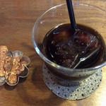 60626192 - ポークのチキン巻きトマトソース ¥900 に付くアイスコーヒー