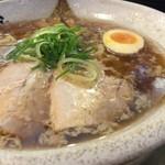 越後秘蔵麺 無尽蔵  - 鶏がら醤油らーめん