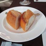 デーメテール千疋屋 - 洋食ランチのパン