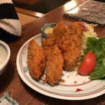 グリルほんだ - 料理写真:カキフライ定食 ¥950 のカキフライ