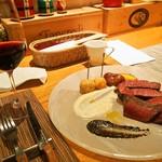 トラットリア・アルモ - 熊本産 黒毛和牛の熟成肉「クリ」の炭火焼き & 赤ワイン