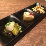 月ひめ - ナスと唐辛子のお浸し、タイの煮こごり、バンバンジー