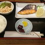 めし板垣 - 鮭西京焼き定食1060円(夜)