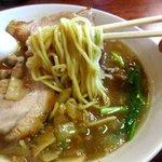 お食事処 やちよ - パンチの効いたスープが美味しい麺に絡む!(2016,12/24)