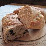 クレアホーム&ガーデン - 自家培養の酵母のパンです。