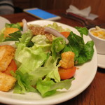 アウトバック ステーキハウス - ハウスサラダ(これはチーズを別にしてもらってます)
