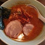 麺通 - カラフトらーめん(辛背油)半麺こってりで