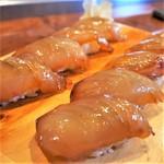 港鮨 - 料理写真:べっこうにぎり