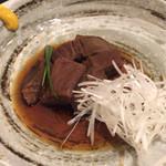 龍馬 - ほぐれる牛タンの甘辛煮。