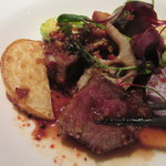 カントニーズ 燕 ケン タカセ - ステーキは豆鼓と豆板醤入りソースで