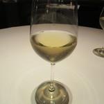 カントニーズ 燕 ケン タカセ - 白のグラス「ケンダル ジャクソン」