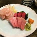 鮭ちゃづけ - 本鮪とカワハギの肝和え