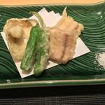 ぎをん 遠藤 - 鱧の天ぷら 万願寺とうがらし