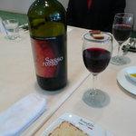 ラ カーサ ディ ナオ - 赤ワインのサッソ