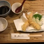 60651134 - 蕎麦つゆを天ぷらにかけていただくのがこちらのお店