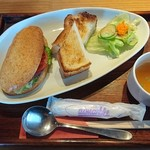 Dinig & Cafe LaLa - 自家製パンセット