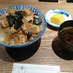 名月 - 親子丼 1,080円