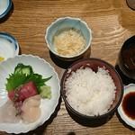 名月 - 刺身定食 2,480円