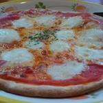 サイゼリヤ - バッファローモッツァレラのピザ