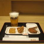 鶏三和 - 塩麹入りしお唐揚(むね)、醤油麹入りもも唐揚、手羽唐、アサヒスーパードライ