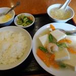 景珍楼 - 海老と豆腐の煮込みランチ