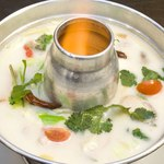 鶏肉のココナッツミルクスープ「トム・カー・ガイ」