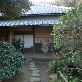 ここ横浜で大人の小旅行を楽しむ。