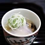 和ごころ 泉 - 聖護院大根(醤油煮) 海老芋 長ネギ みぞれ餡掛け