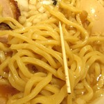 焼きあご塩らー麺 たかはし - 背脂醤油の太麺、太さ。