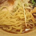 焼きあご塩らー麺 たかはし - 焼きあご塩らー麺は、平麺