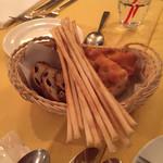 60672094 - ブドウパン、グリッシーニ、フォカッチャ