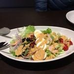 ベビーフェイスプラネッツ - 料理写真:コブサラダ ハーフサイズ ¥680(税抜き)