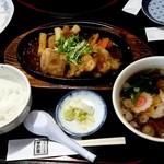 やまぶきの里レストラン 宇野屋 - チキン生姜焼きセット
