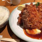 洋食の店 もなみ - ハンバーグと海老フライ1004円