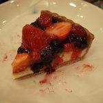 6068664 - 赤いフルーツのタルト