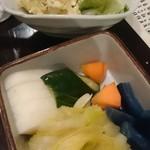 鍛冶屋 文蔵 - ポテトサラダ、漬物