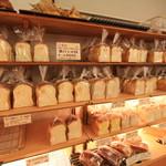 パリーズベーカリー - いろんな味の食パン